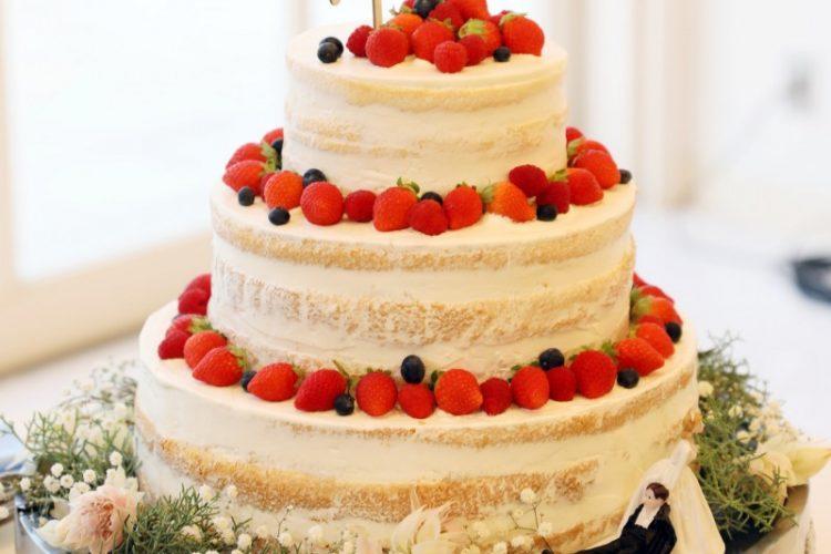 ウェディングケーキをさらに可愛く♡